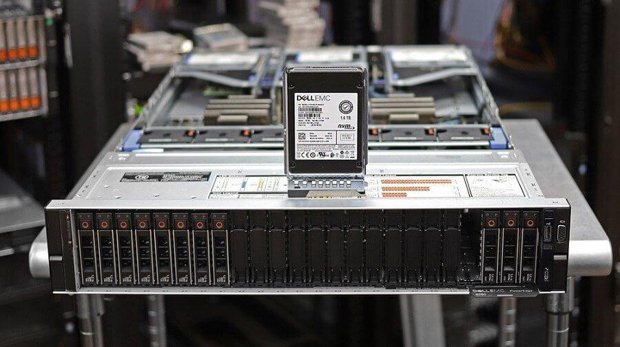 Khoang ổ đĩa trước Dell EMC PowerEdge R750
